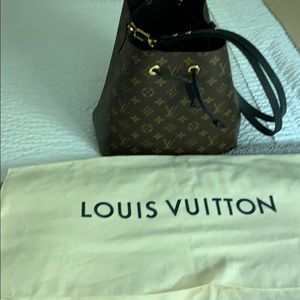 Authentic Louis Vuitton MNG NeoNoe 2019